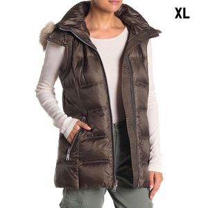 Claire Genuine Fox Fur Trim Quilted Vest in Forest